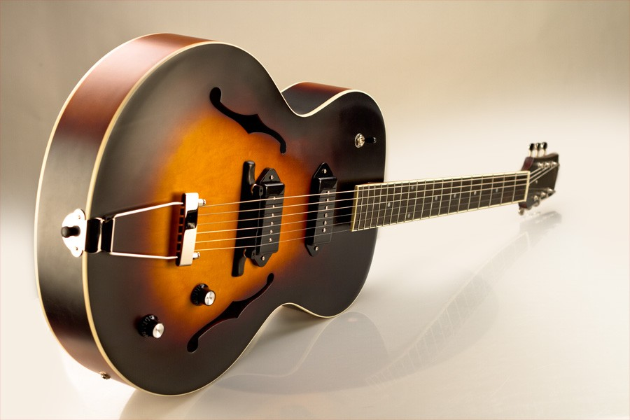 Loar Archtop LH-279 Maple Top Dual P-90